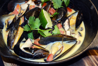 coconut-lime-mussels